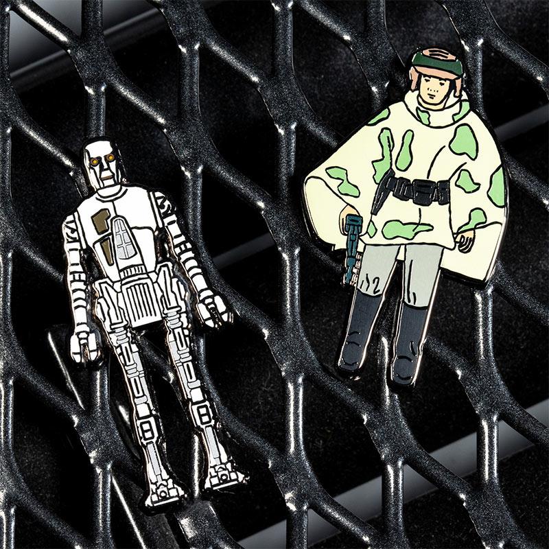 Pin Kings Star Wars Enamel Pin Badge Set 1.35 – 8D8 and Princess Leia Organa (in Combat Poncho)