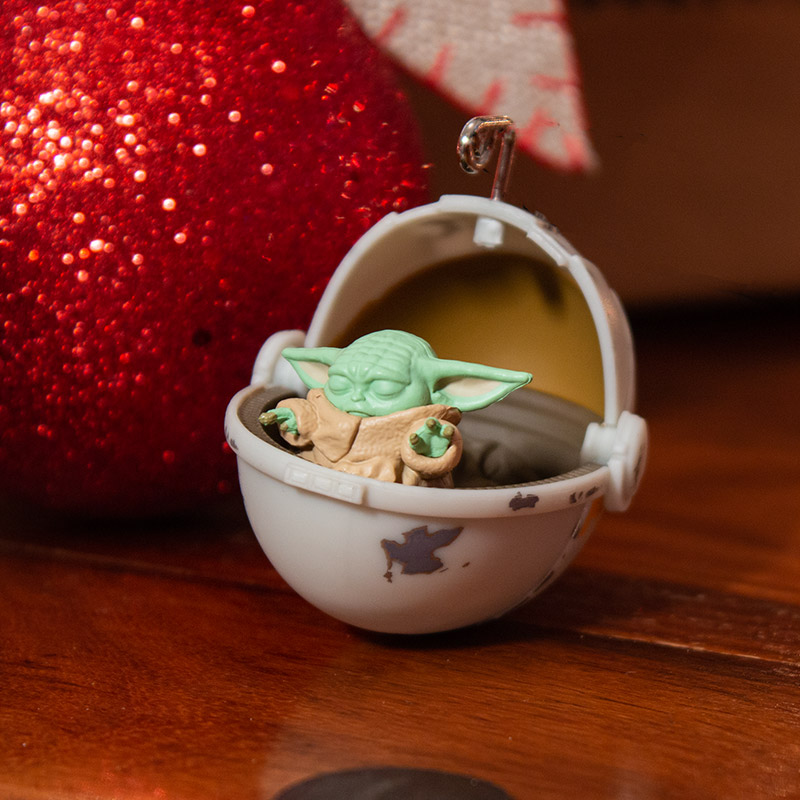 Official Star Wars The Mandalorian 'Baby Yoda / The Child' 3D Christmas Decoration / Ornament